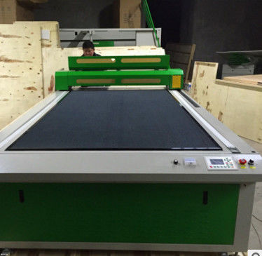 LCD Control CO2 Laser Wood Cutting Machine 80w 100w With HIWIN Square Rails